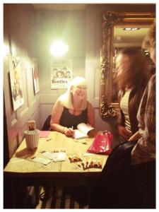 Kay signing_n